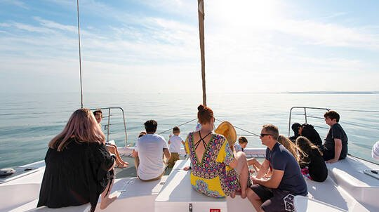 Moreton Bay Sailing Trip with Island Stop and Lunch - 5 Hour