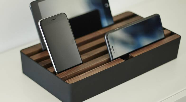 Custom Colours Docking and Charge Station