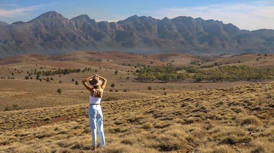 Flinders Ranges Getaway with Breakfast and Tour - 2 Nights