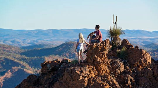 Flinders Ranges Escape with Breakfast and Tour - 2 Nights