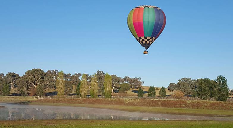 Hot Air Balloon Flight over Canowindra with Breakfast