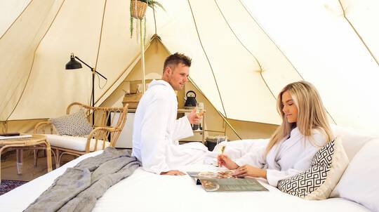 Midweek Winery Glamping with Breakfast and Wine - For 2