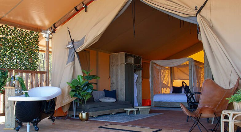 Weekend Glamping Stay with Breakfast and Wine Tasting For 2