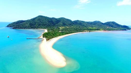 Mission Beach Overnight Tour with Snorkelling and Rafting