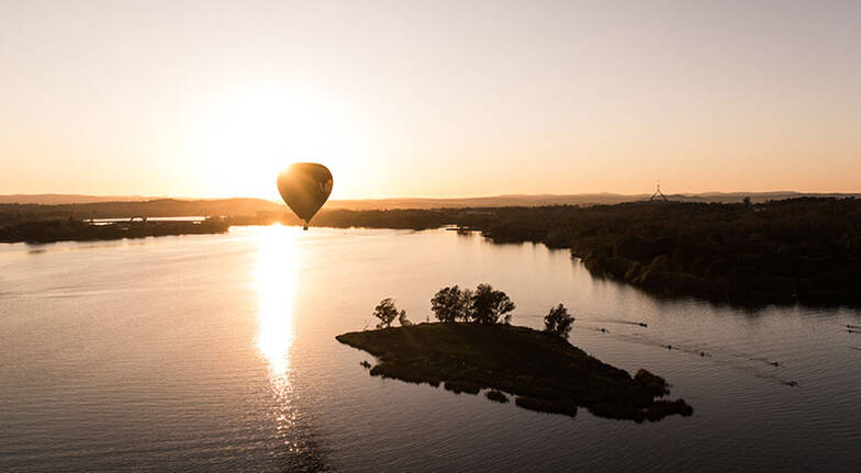 Hot Air Ballooning Over Canberra  Midweek