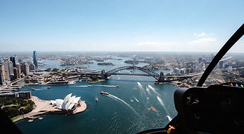 Helicopter Flight Over Sydney and Beaches  20 Minutes