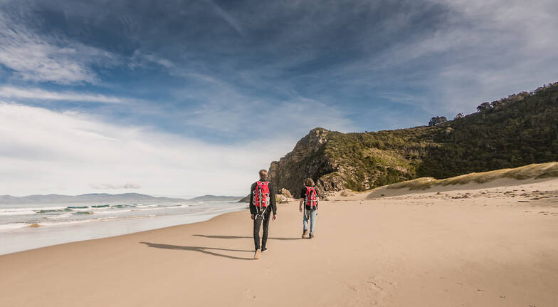 Bruny Island Walking Tour with Lunch and Tasting Stops