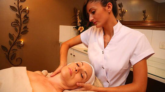 Aromatherapy Warm Stone Massage and Mindfulness Facial