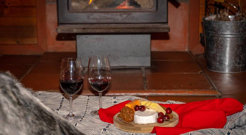 Romantic Getaway with Massages and Brekkie Hamper - Midweek