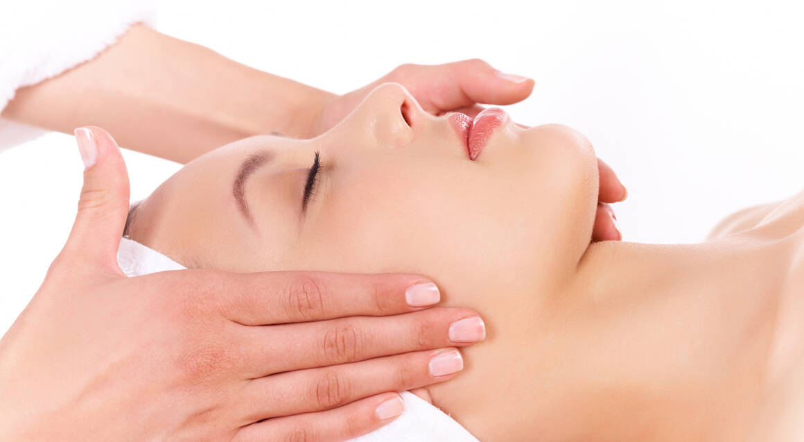 Relaxing Botanical Facial - 60 Minutes
