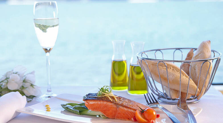 Sydney Harbour Cruise with 3 Course Lunch  For 2