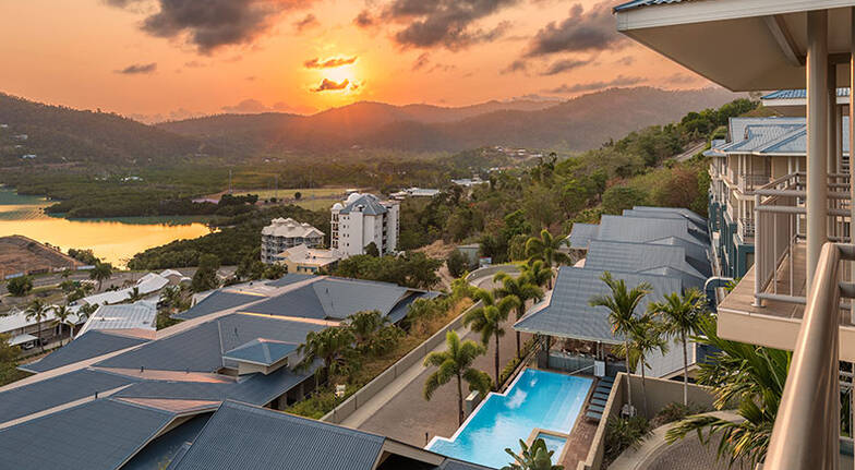 Whitsundays 3 Night Stay with Meal and Cocktails - For 2
