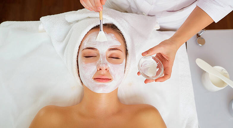 Purifying Lymphatic Facial Treatment - 60 Minutes