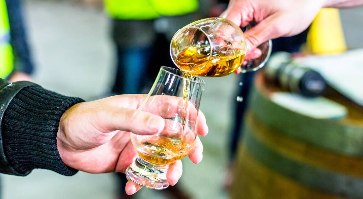 Full Day Wine, Beer and Whisky Tour from Hobart