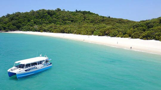 Whitsunday Full Day Tour with Lunch, Snorkelling and More