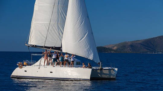 3 Night Whitsunday Sailing Experience with Meals - For 2