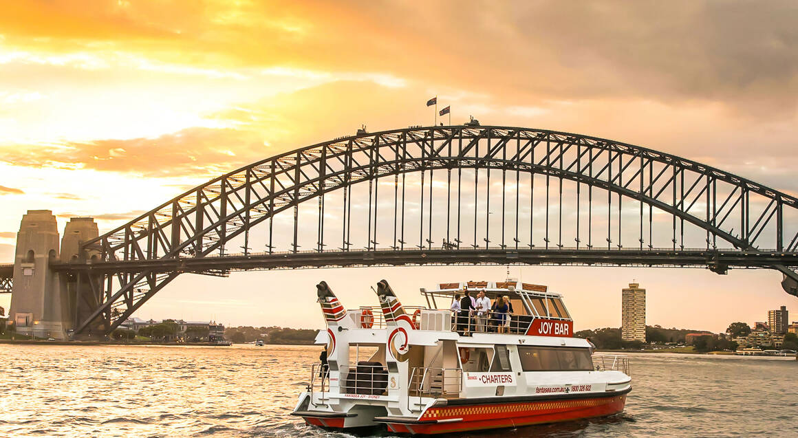 Sydney Harbour Evening Cruise with Drink
