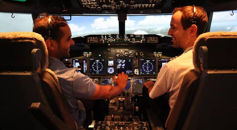 Boeing 737-800 Simulator Flight - 60 Minutes - Parafield SA