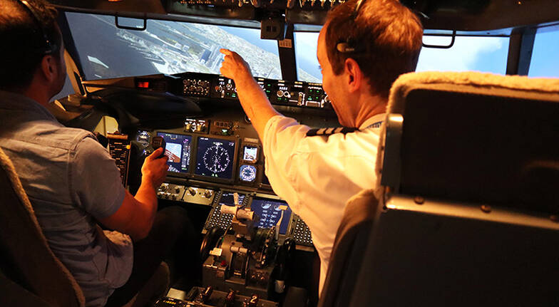 Boeing 737 Flight Simulator  30 Minutes