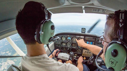 Learn to Fly a Plane Introductory Flight - 30 Minutes