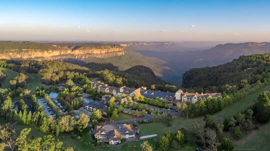 Blue Mountains 2 Night Weekend Getaway with Dinner - For 2