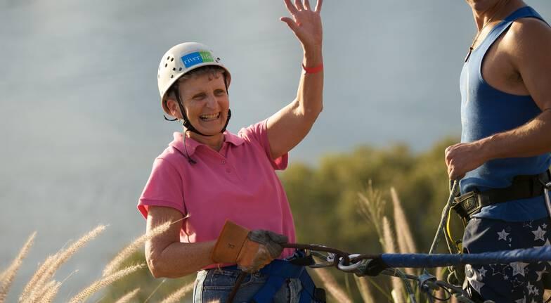 woman abseiling kangaroo point cliffs