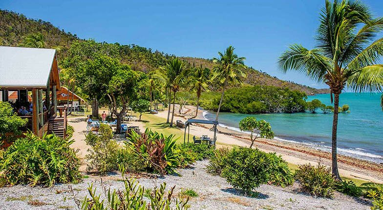 2 Night Whitsundays Escape with Dinner  For 2