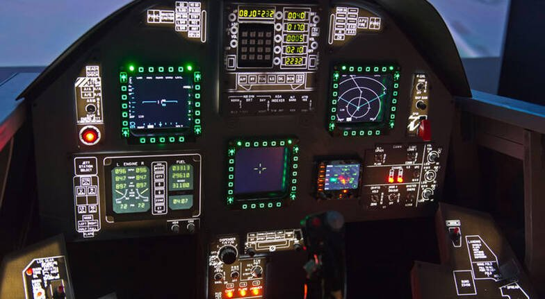 Flight Simulator Based on Boeing 737800  90 Minutes