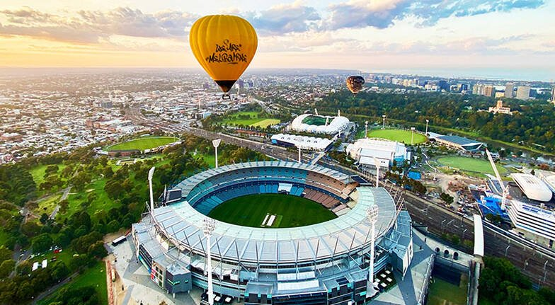 Hot Air Balloon Ride Over Melbourne with Breakfast  For 2
