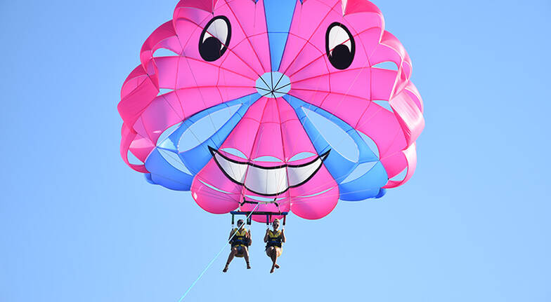 Scenic Parasail Over the Gold Coast