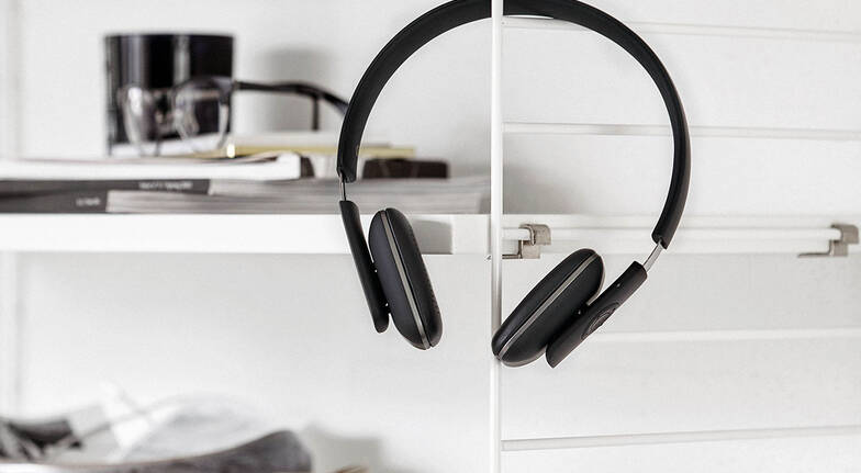 Kreafunk Wireless Headphones - Black