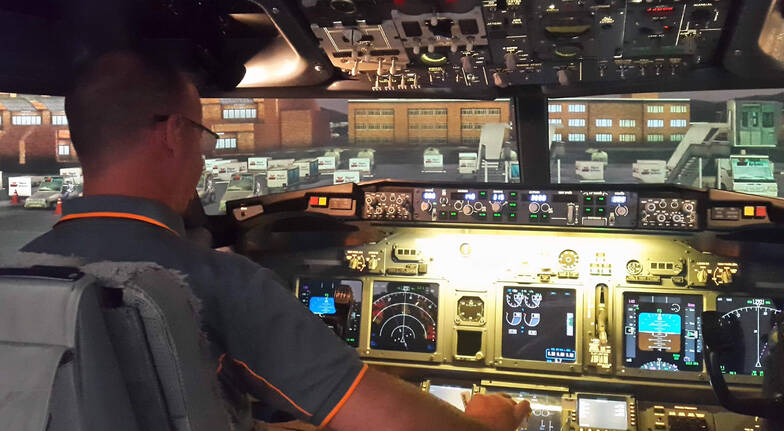 Boeing 737-800 Jet Simulator Experience - 60 Minutes