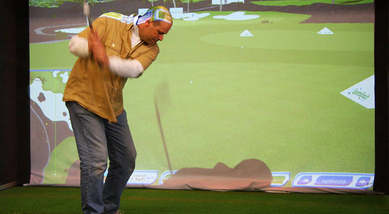 Golf Simulator - 30 Minute Lesson and 18 Holes of Golf
