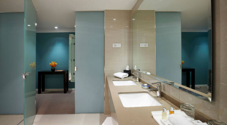 the grace hotel sydney bedroom bathroom