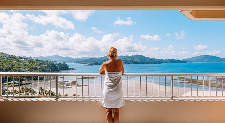 4 Night Hamilton Island Getaway with Whitehaven Trip  For 2