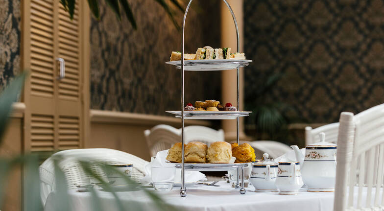 Traditional Afternoon Tea with Sparkling - For 2