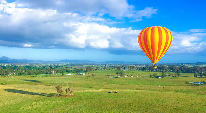 30 Minute Hot Air Ballooning Over Hinterland with Breakfast