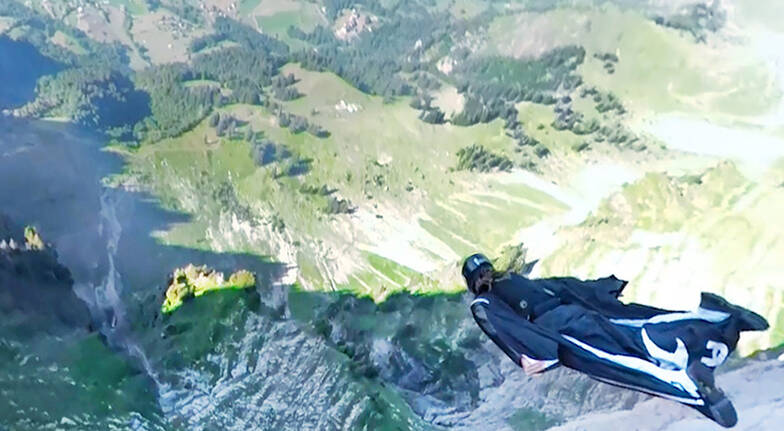 Virtual Reality Indoor Skydiving Combo - 3 Flights - Midweek