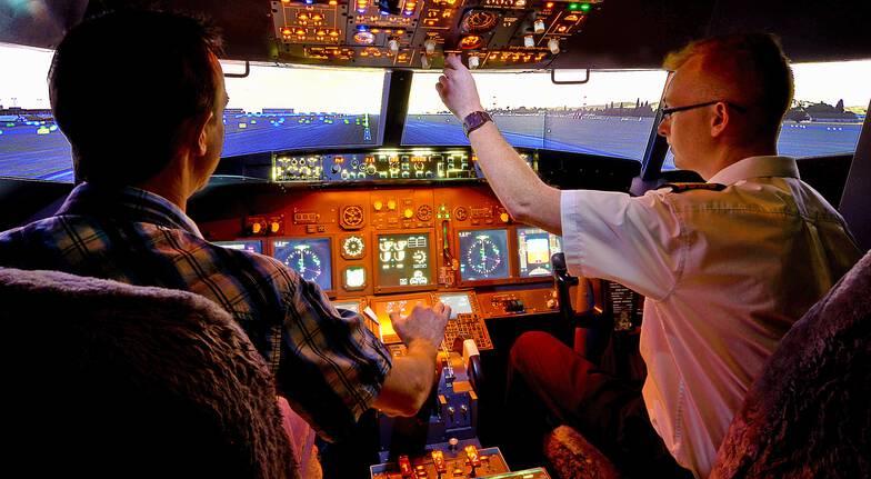 Flight Simulator Based on Boeing 737 - 30 Minutes