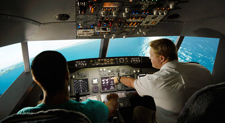 Flight Simulator Based on Boeing 737 - 90 Minutes