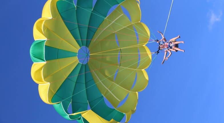 Parasail over the Gold Coast - 14 Minutes Flying Time -For 2