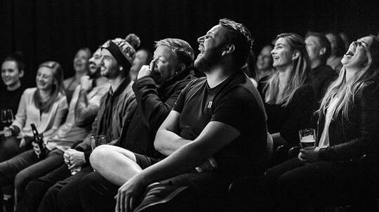 90 Minute Comedy Show with Dinner and Drink - QLD