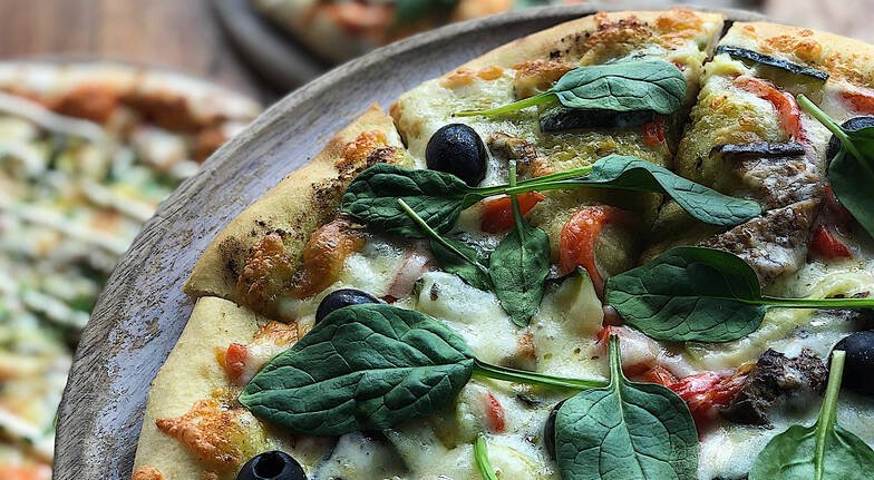 Wood-Fired Pizza Lunch with Sparkling Wine or Beer - For 2