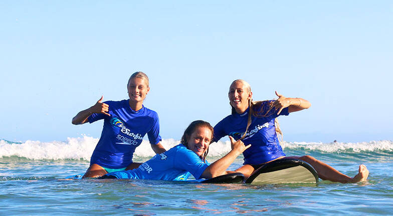 Beginners Group Surfing Lesson in Lennox Head