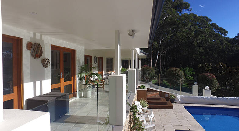 Luxury Mollymook Overnight Retreat with Breakfast  For 2