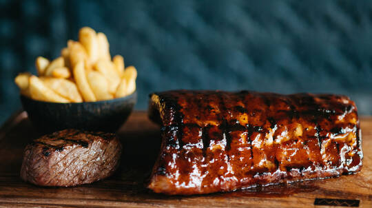 The Ultimate Steakhouse Experience with Wine - For 2