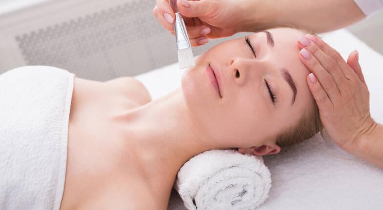 Massage, Facial and Foot Treatment - 90 Minutes