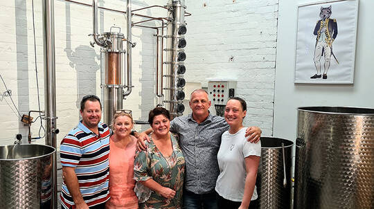 Cairns Brewery Tour with Tastings and Lunch - 5.5 Hours