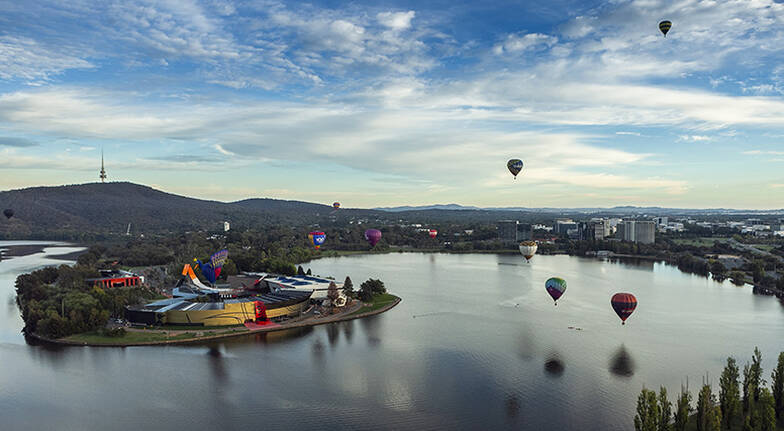 Canberra Hot Air Balloon Flight and National Museum Tour