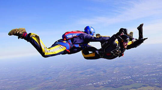 Solo Skydive with Training and Solo Jump from 14,000ft